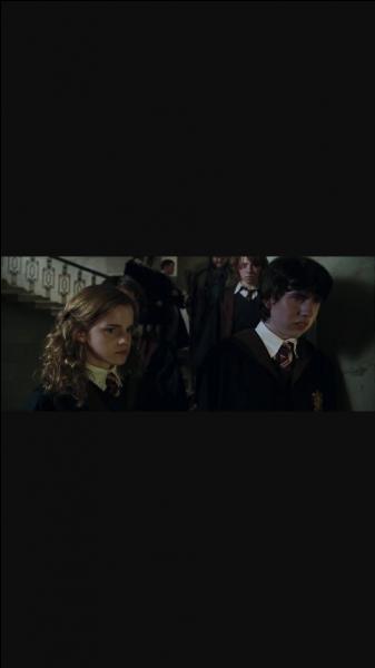 """Qui est l'auteur du livre """"Harry Potter"""" ?"""