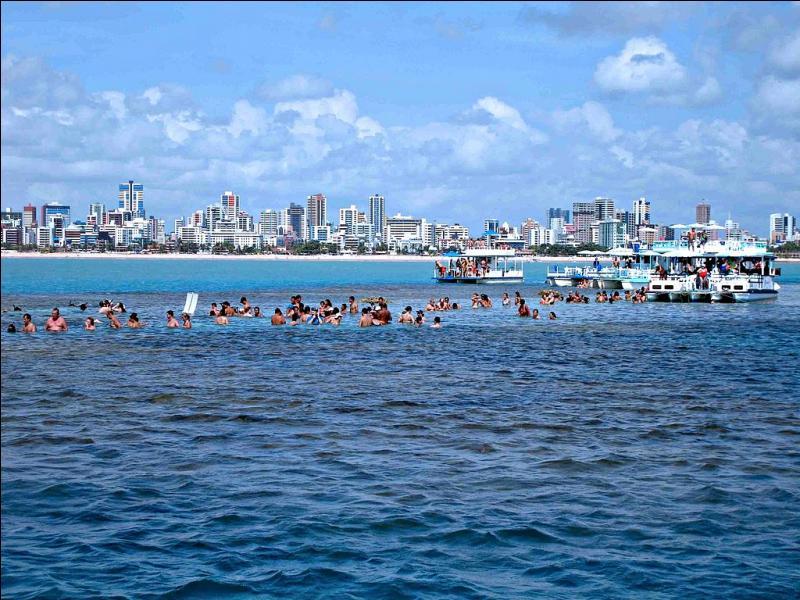 Où se trouve João Pessoa, capitale de l'État de Paraíba ?