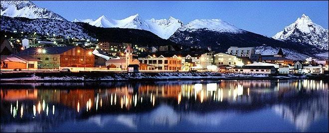 Dans quel pays se trouve la ville considérée comme celle la plus au sud ?