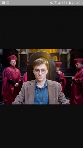 """Comment s'appelle la Cracmolle qui témoigne au procès de Harry dans """"L'Ordre du phénix"""" ?"""