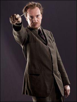 À quel âge Remus Lupin a-t-il était mordu et transformé en loup-garou ?