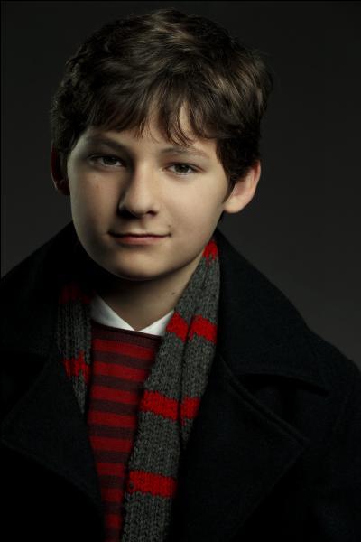 """Quel est le prénom du fils adoptif de Regina Mills dans la série """"Once Upon a Time"""" ?"""