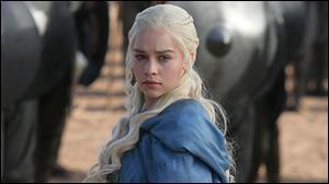 Daenerys Targaryen a plus de cinq titres.