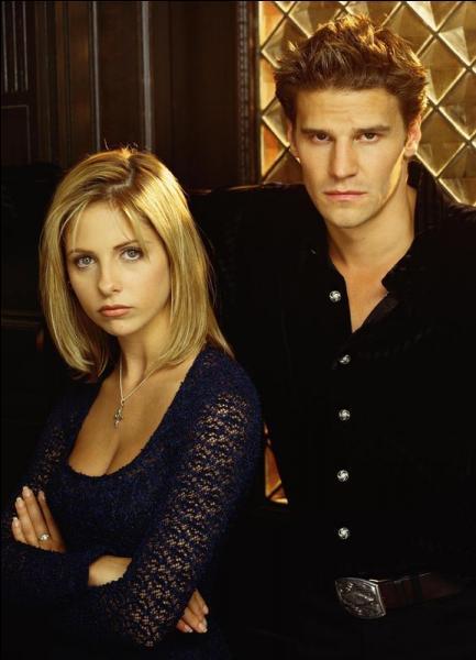 Pourquoi Buffy est-elle renvoyée du lycée ?
