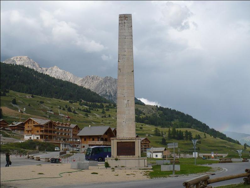 La frontière franco-italienne sépare l'Italie et cinq départements français dont l'Isère.