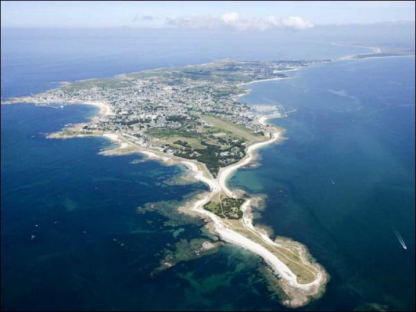 À quelle région la presqu'île de Quiberon est-elle rattachée ?