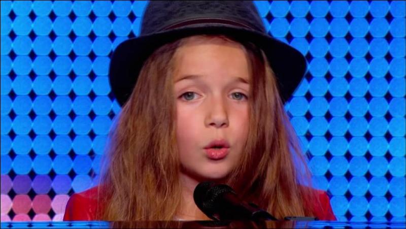Lors de sa première prestation qu'a-t-elle chanté ?