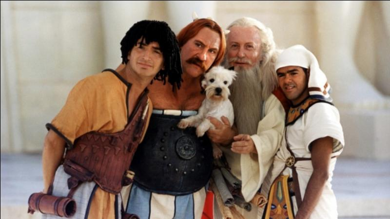 """Quelle est la race du célèbre chien dans """"Mission Cléopâtre"""" ?"""