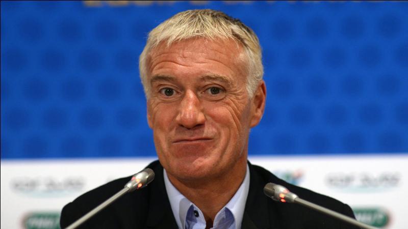 Comment se nomme l'entraîneur de l'équipe de France ?