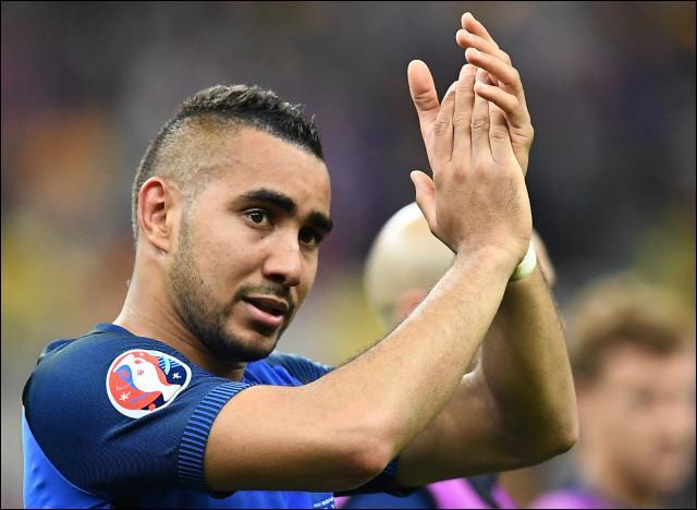 Qui est ce joueur qui a délivré la France d'une superbe frappe à la 89e minute lors du match d'ouverture contre la Roumanie ?