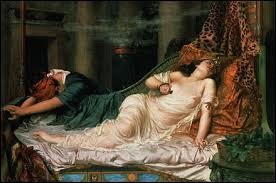 Selon la légende, comment s'est suicidé la reine Cléopâtre ?