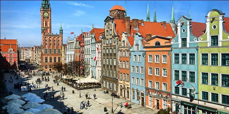 Dans quel pays se situe la ville de Gdańsk (ex-Dantzig) ?