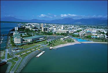 Où se situe Cairns ?