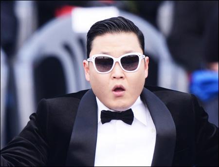 """Le 1er août 2016, la vidéo YouTube la plus visionnée était """"Gangnam Style"""" de PSY."""