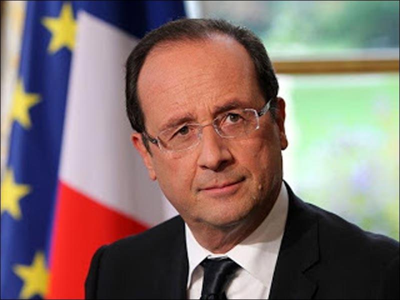 """François Hollande a répondu """"Bah, tu ne le verras plus"""" à une petite fille lui disant : """"Je n'ai jamais vu Nicolas Sarkozy."""""""