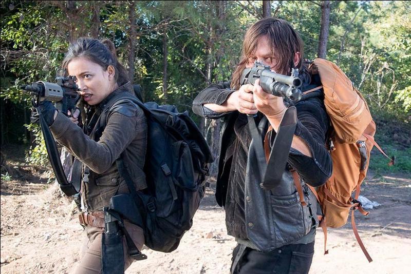 Comment Daryl parvient-il à sauver Alexandria des centaines de rôdeurs ?