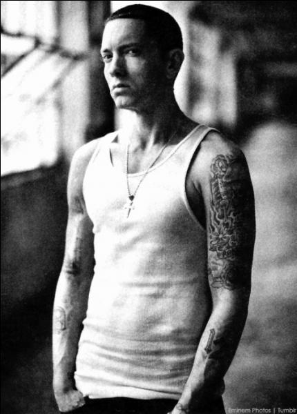 Depuis quand Eminem est-il actif en tant que rappeur ?
