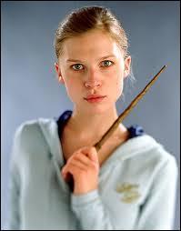 Comment Ginny surnomme-t-elle Fleur ?