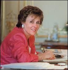 Comment s'appelle la seule femme devenue Premier ministre en France ?