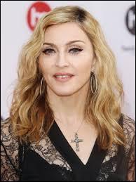 Quel est le surnom de la chanteuse Madonna ?