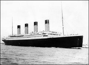 Elle est fan du Titanic. Mais quand a-t-il coulé ?