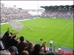 Le stade d'Angers porte le même nom qu'un stade de rugby. Lequel ?