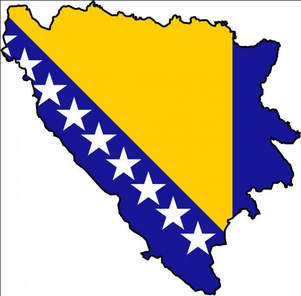 Le 21 août 1992, 200 hommes bosniaques sont tués, en Bosnie-Herzégovine, par une unité de police serbe. Comment s'appelle ce massacre ?