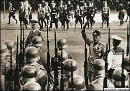 Et qu'en était-il de la police politique de Mussolini ?