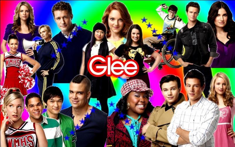 Quelle chanson chante le Glee Club quand Will demande à Emma de l'épouser ?