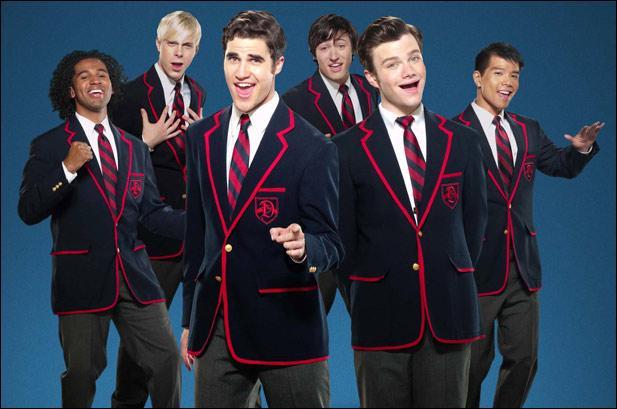 Quelle chanson est chantée par les Warblers dans la saison 2, lors du retour de Kurt à McKinley ?