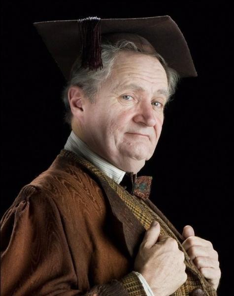 Dans quelle maison Horace Slughorn a-t-il été envoyé lors de sa scolarité à Poudlard ?