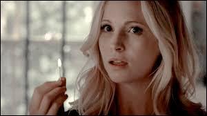 Pourquoi Caroline a-t-elle éteint son humanité ? (Principalement)