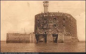 À quel siècle remonte le projet de construction du Fort ?