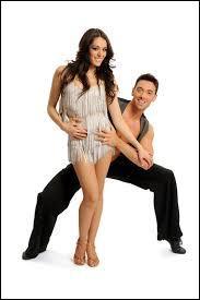 Qui est la candidate qui danse avec Maxime Dereymez ?