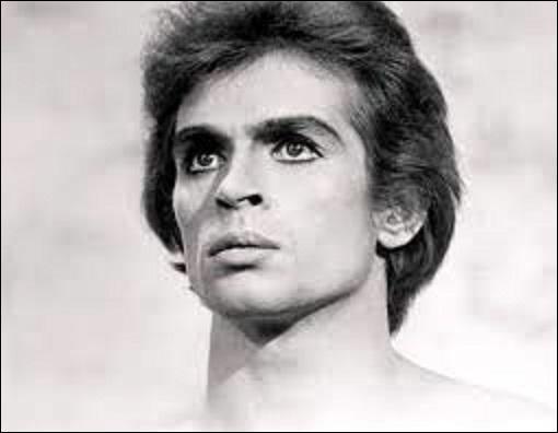Pourriez-vous me citer le nom de ce danseur étoile russe (1938-1993), qui fut durant, entre autres choses, dans sa carrière directeur du Ballet de l'Opéra de Paris de 1983 à 1989, puis ensuite, dans ce même lieu, jusqu'en 1992, maître de ballet et chorégraphe ?