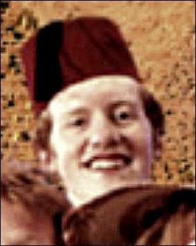 Comment s'appelle-t-il ? Est-il le plus grand des Weasley ?