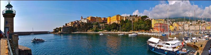 Quelle ville est la préfecture de la Haute-Corse (2B) ?