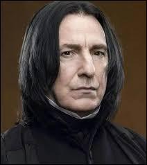 """Qui est ce personnage qui a tué le directeur de l'école dans """"Harry Potter et le Prince de sang-mêlé"""" ?"""
