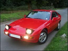 Voici celle qu'on appelle la Porsche Fuego. La Fuego lui ressemble beaucoup donc elle est surnommée comme ça cette Porsche..