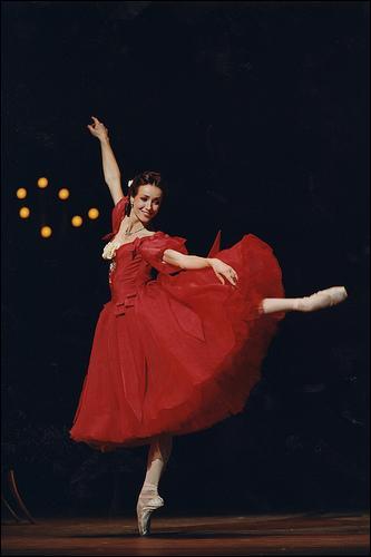 Cette danseuse française a été étoile du Ballet national de l'Opéra de Paris et du Royal Ballet de Londres...