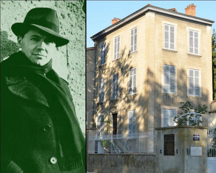 Lyon est considérée comme la capitale de la Résistance. Le 21 juin 1943, Jean Moulin, membre emblématique du CNR fut arrêté à Calluire-et-Cuire, dans la banlieue lyonnaise lors d'une réunion clandestine se déroulant dans la maison du docteur...