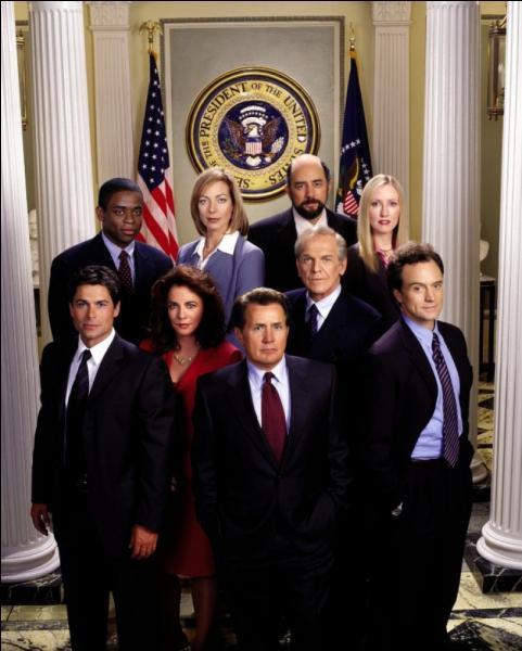 """Dans la série """"A la maison blanche"""" On apprendra au fil des épisodes que le président des Etats-Unis Josiah Bartlet (Martin Sheen) souffre d'une maladie chronique et progressive du système nerveux central, mais quelle est-elle ?"""