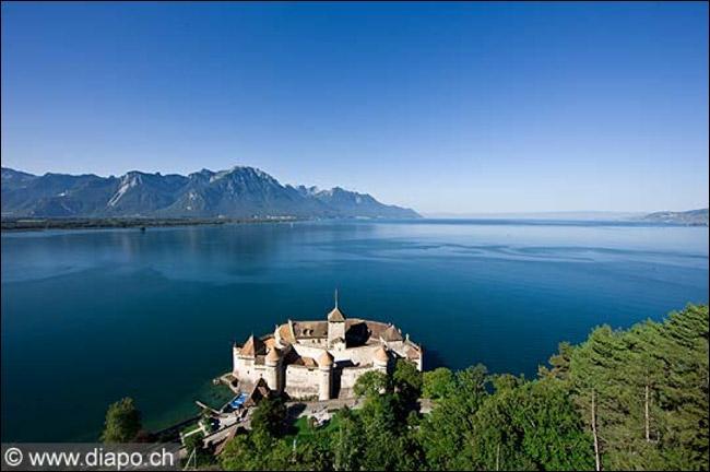 Lequel de ces pays n'est pas bordé par le lac Léman ?