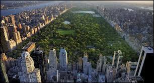 Dans quelle ville des États-Unis pouvez-vous voir l'espace vert d'une superficie de 341 hectare, nommé Central Park ?