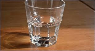 Généralement, à table vous buvez :