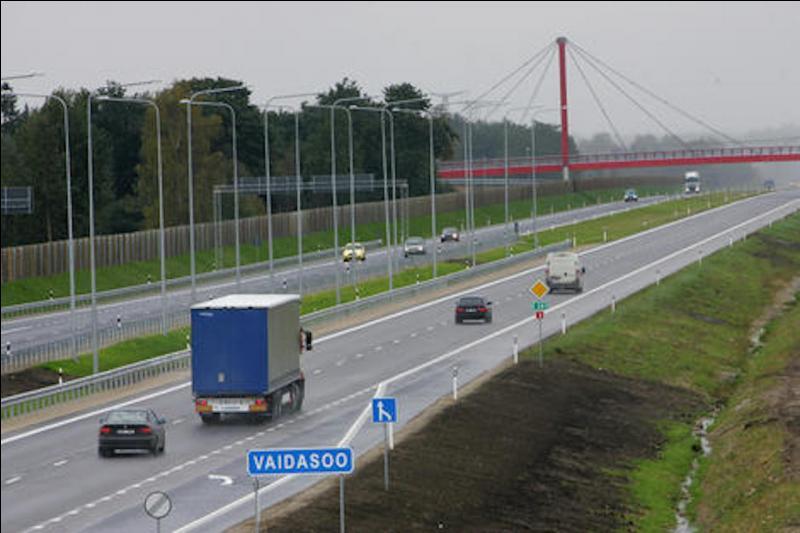 Cochez les pays ne comportant aucune vraie autoroute.