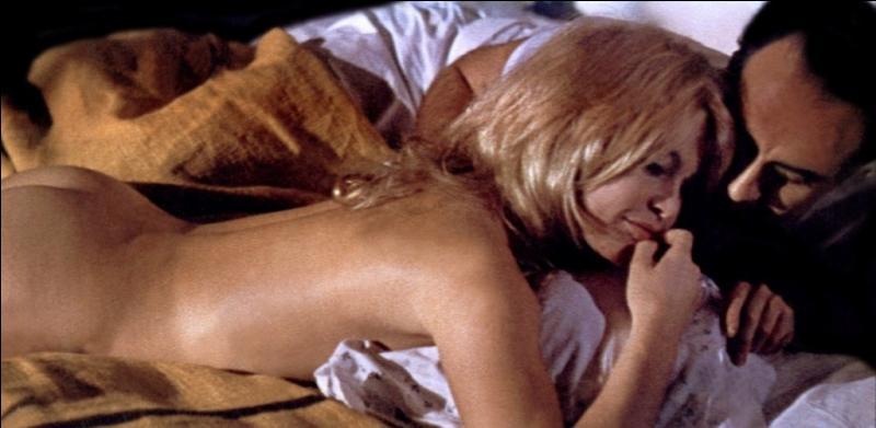 """""""""""Et mes fesses, tu les aimes mes fesses ? """" Quelle actrice a prononcé cette phrase dans le """"Mépris"""" de Godard ?"""
