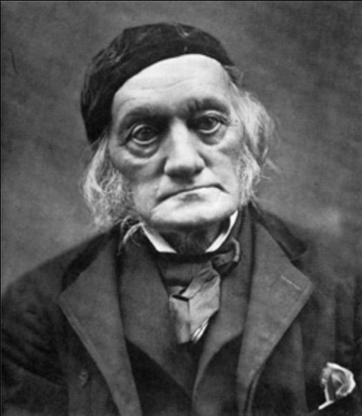 Richard Owen (1804-1892) est connu mondialement pour avoir créé, en 1841, le nom de :