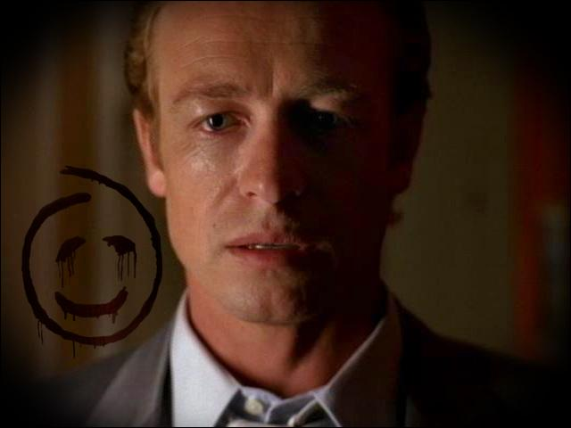 Enfin, Patrick Jane est à la recherche de l'assassin de sa femme et de sa fille, comment l'appelle-ton ?