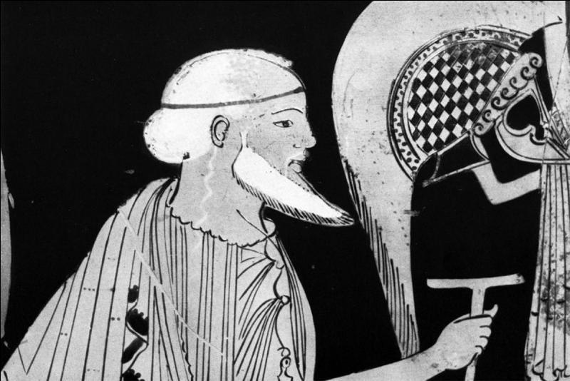 C'est le vieux roi de Troie, aux nombreux enfants. Il est tué lors de la prise de la ville. De qui s'agit-il ?